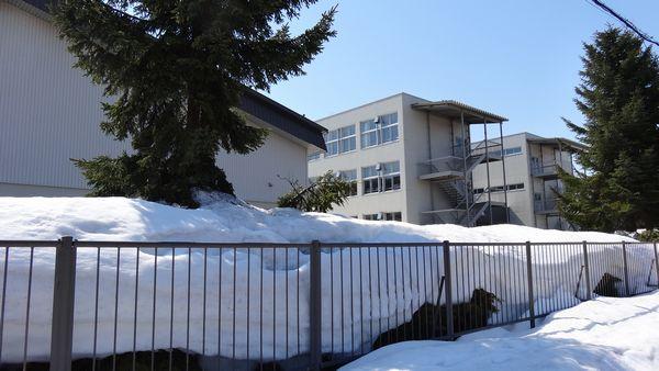 校舎 西側 4.14.jpg